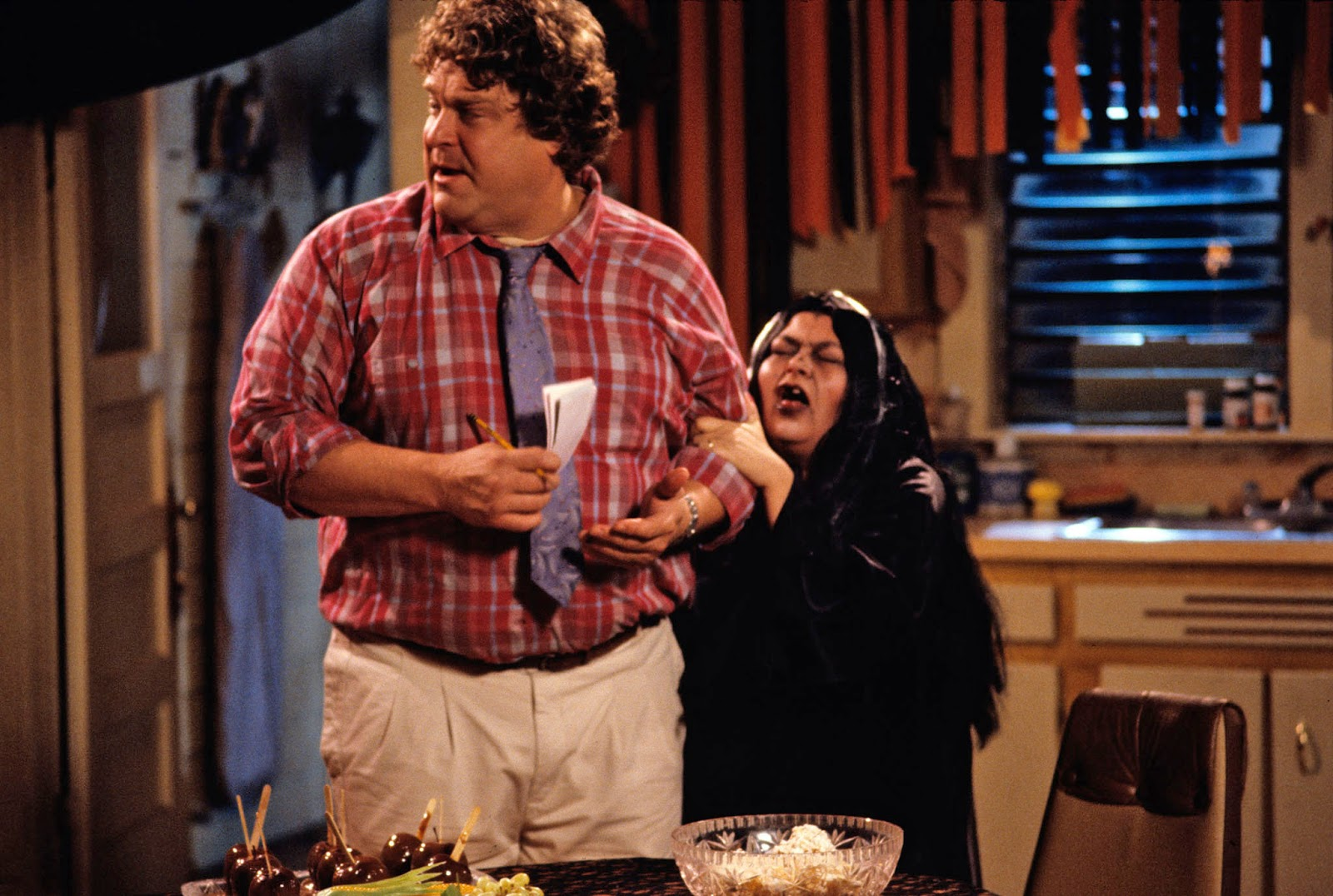 31 Days of Halloween Episodes: Boo! (Roseanne) - Pop Culture Spin