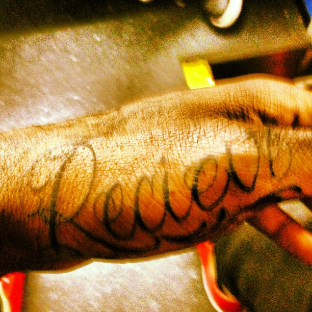 larry-sanders-tattoo-misspelled-recieve