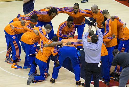 Knicks-Huddle