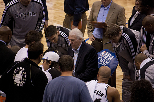 Spurs-Huddle