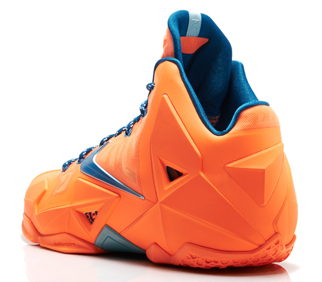 LeBron11_Miami_vs_Akron_800_back_14008_FB