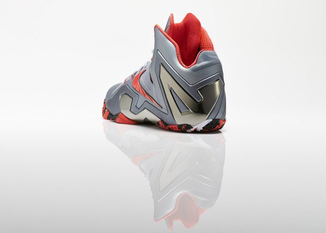 Su14_BB_Lebron11_Elite_642846_001_Return_3qtr_back_low_0207_27978