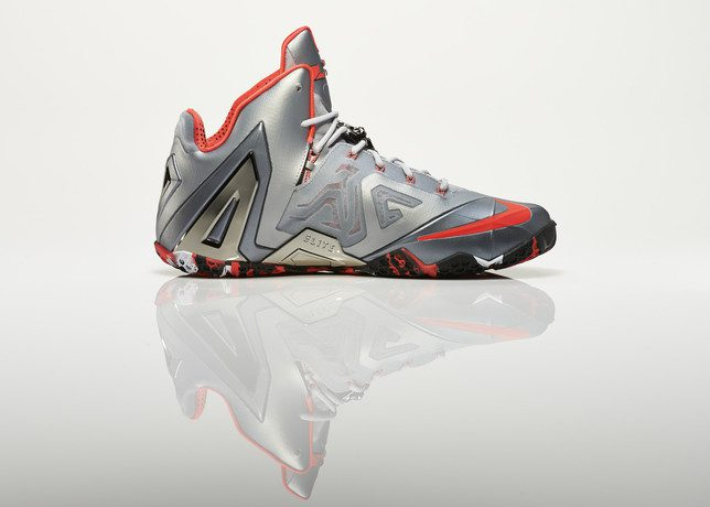 Su14_BB_Lebron11_Elite_642846_001_Return_medial_0271_27971