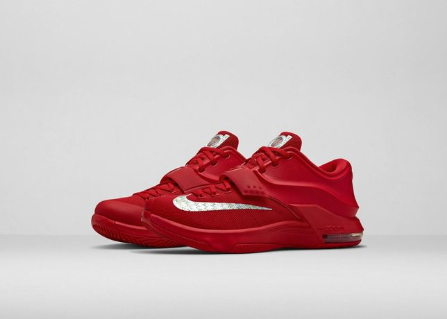 FA14_Bball_B1-KD7_Red-Front_Three_Quarter_Pair_Hero_31572