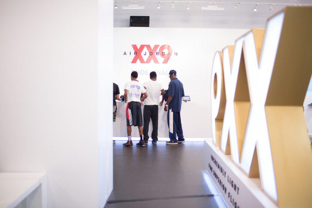 XX9_NYC_Launch_instore_33030
