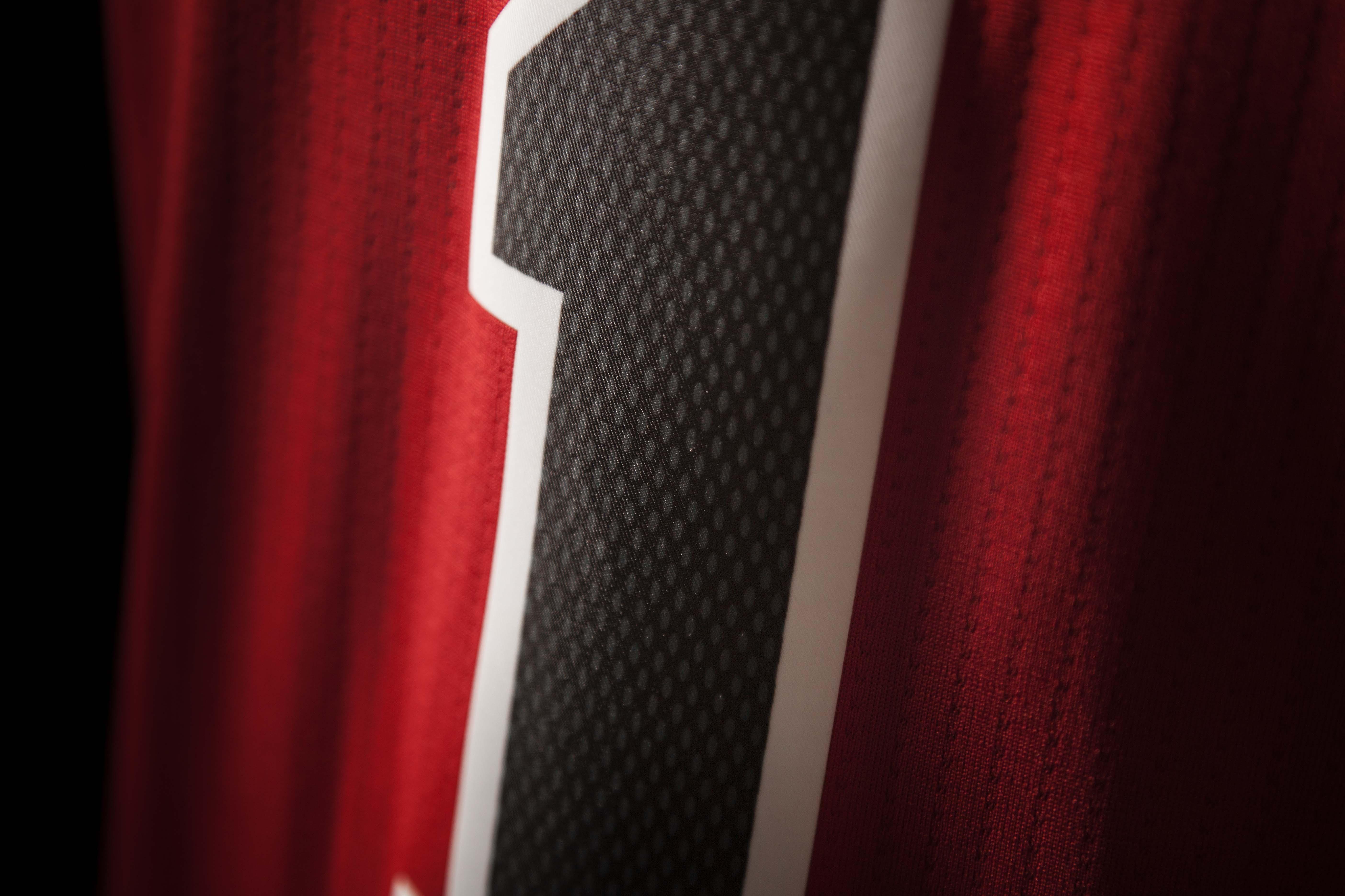 FW14_NBA_Jerseys_Bulls_Detail3