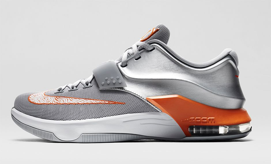 buy popular 8aa35 b408e The day after high school graduation, Durant moved to Austin, Texas, to  attend college. The Nike KD7 Wild West features a silver and orange ...