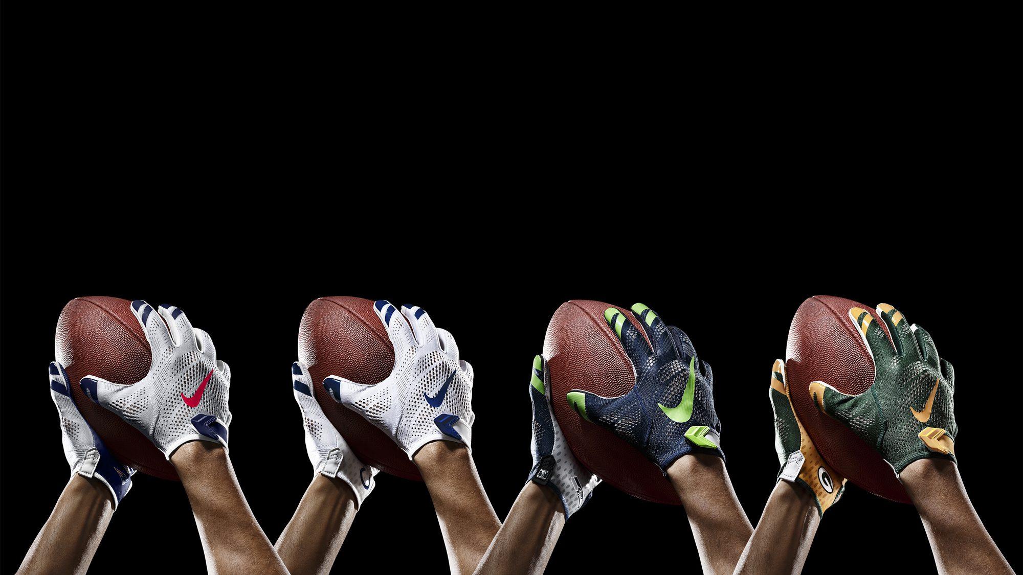 SP14_NFL_SB_TeamGloves_Ball_36856