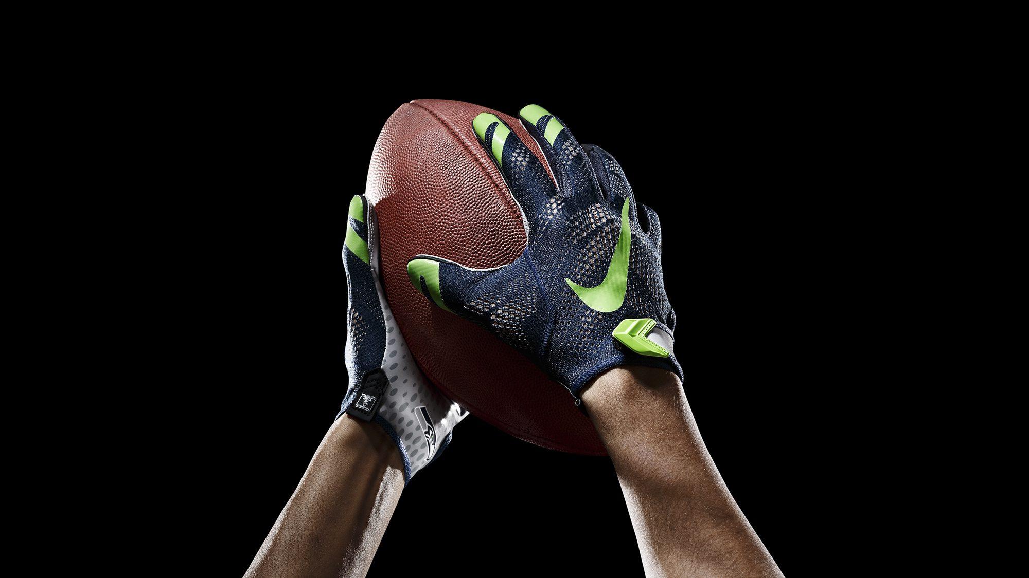 SP14_NFL_SB_TeamGloves_Ball_Seahawks_36851