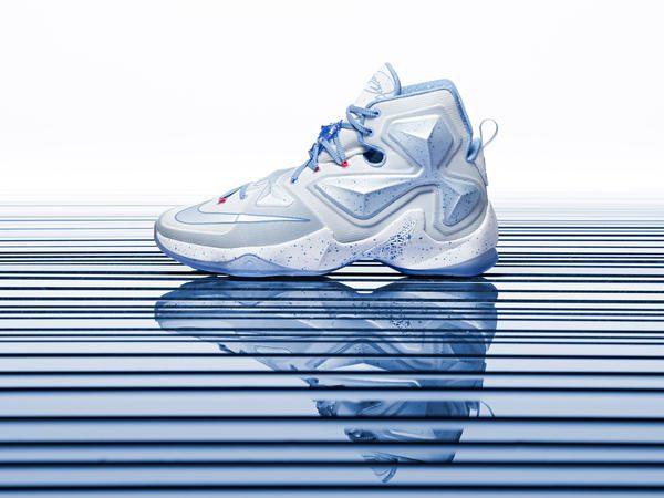 15-600_Nike_Holiday_LeBron_13_Hero-01_native_600