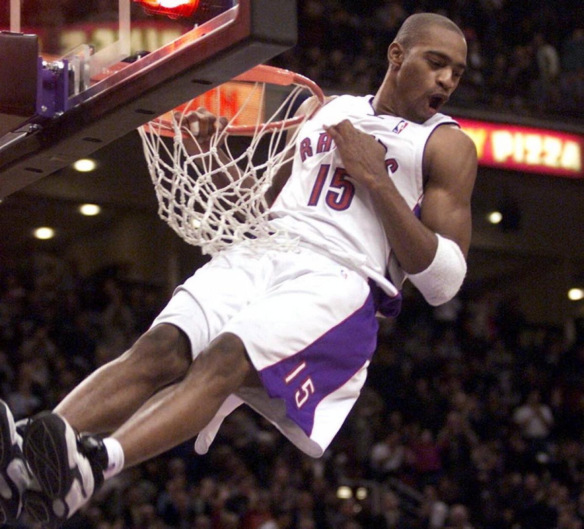 71e5448bb5e Top 50 NBA Players of the 21st Century -  25 Vince Carter - Hardwood ...