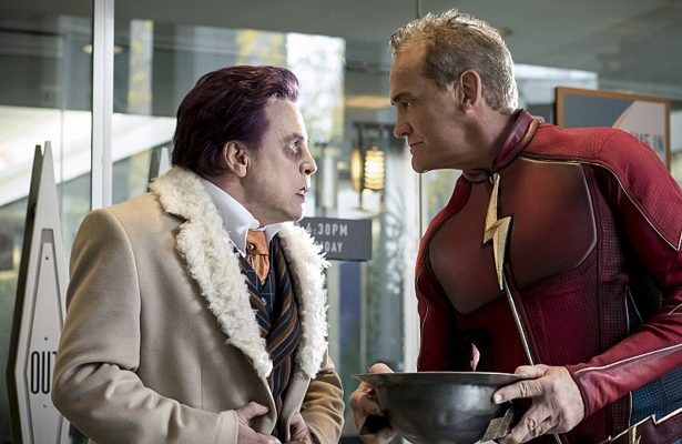 """The Flash -- """"The Present"""" -- Pictured (L-R) Mark Hamil as James Jesse and John Wesley Shipp as Jay Garrick -- Photo: Katie Yu/The CW"""