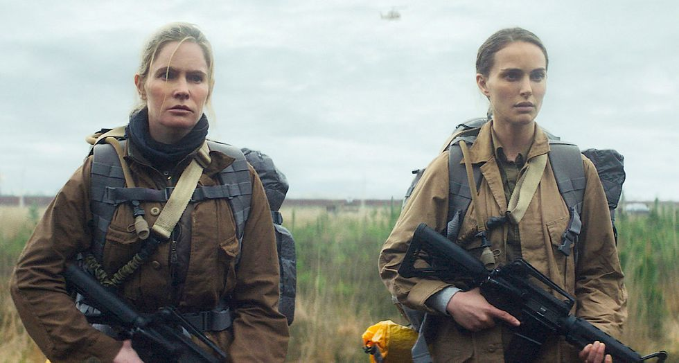 Natalie Portman and Jennifer Jason Leigh