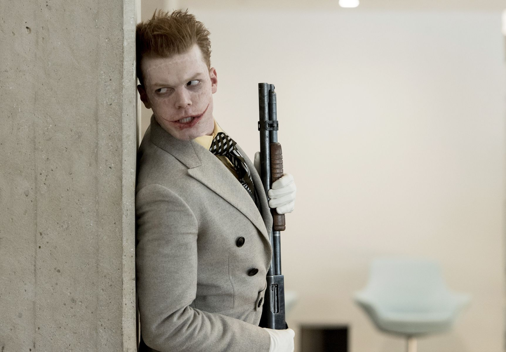 Gotham Season 4 Review: 4.17: Mandatory Brunch Meeting - Hardwood and Hollywood