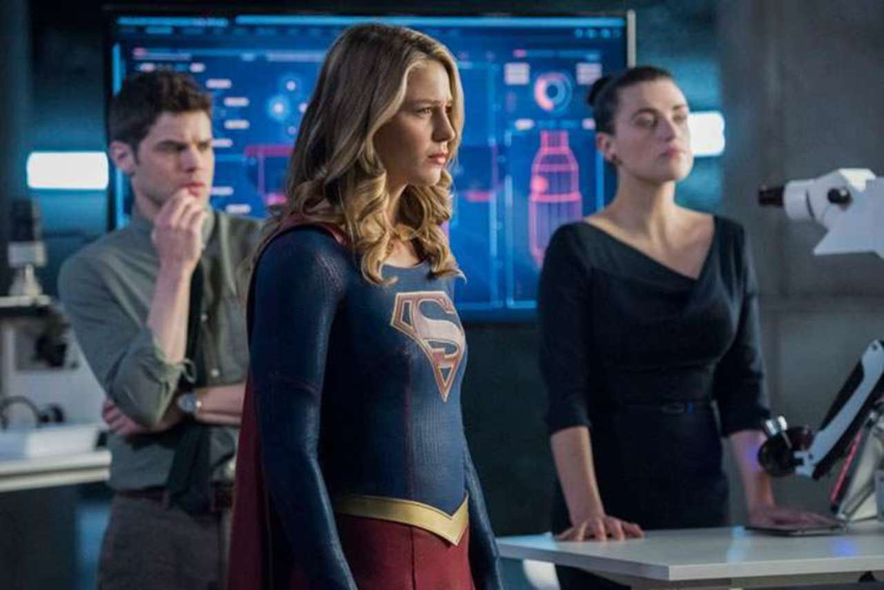 Supergirl Season 3 Review: 3.19: The Fanatical - Hardwood and Hollywood